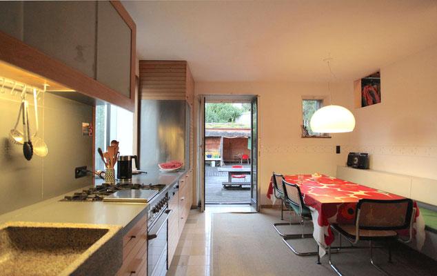 BERG energetische Sanierung, Wohnküche mit Terrasse