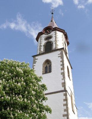 Turm der Evangelischen Martinskirche in Pfullingen erstrahlt in neuem Glanz
