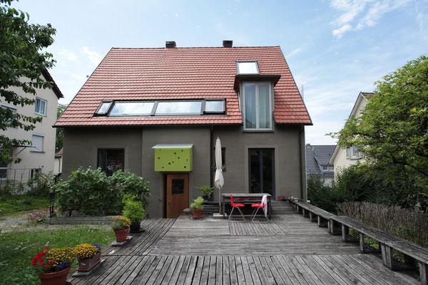 BERG energetische Sanierung, Ostseite mit Terrasse
