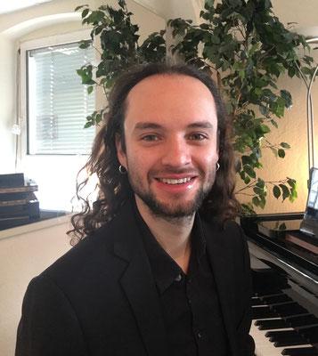 Klavierlehrer Alejandro Marulanda (Klassik und Jazz) in Pankow, Reinickendorf und Wedding