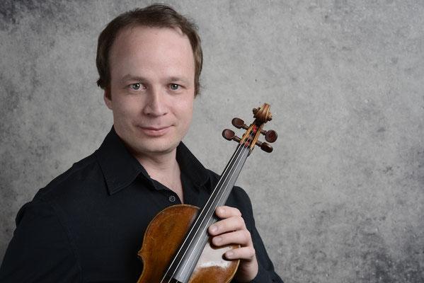 Denis Kryukov - Geigenlehrer u. Klavierlehrer in Essen-Werden, Essen-Süd, Meerbusch, Ratingen, Mülheim