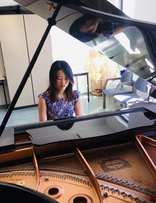 Yuri Jang, Klavier- und Geigenlehrerin in Frankfurt