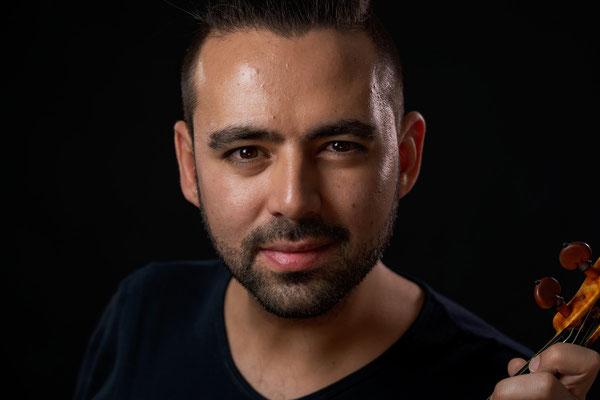 Violinunterricht in Berlin Prenzlauer Berg und Mitte für Fortgeschrittene bei Konzertgeiger Deniz Tahberer