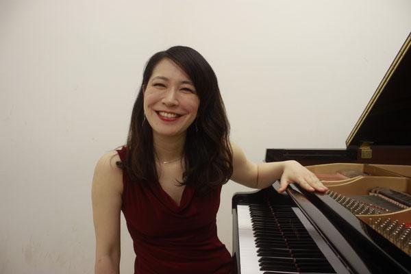 Klavierunterricht in Stuttgart-Ost und Mitte bei Ihnen zu Hause mit Pianistin Sena Uto
