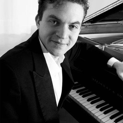 Emiliano Ramniceanu, Klavierlehrer in Hamburg-Altona, Borgfelde, Hamm