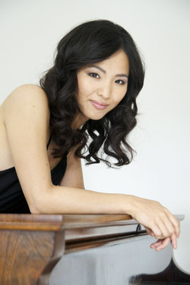 Ayaka Yamamoto, Konzertpianistin und Klavierlehrerin in Düsseldorf, Flingern-Nord, Golzheim, Grafenberg, Lörick