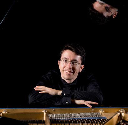 Elisha Kravits, Klavierlehrer in Frankfurt-Heddernheim © TIHMS & Van Velden Fotografie