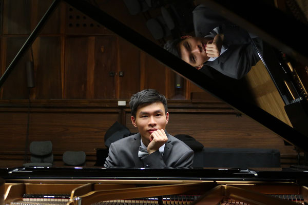 Shenzi Liang, Klavierlehrer in Frankfurt-Zentrum