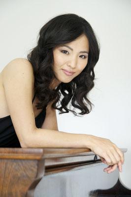 Klavierlehrerin in Flingern-Nord, Pempelfort, Lörick, Oberkassel, Niederkassel, Grafenberg -  Ayaka Yamamoto ©Neda Navaee,