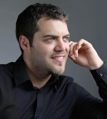 Christos Ntanakas, Klavierlehrer in Stuttgart-Feuerbach, West, Botnang, Zuffenhausen, Weilimdorf, Bad Cannstatt