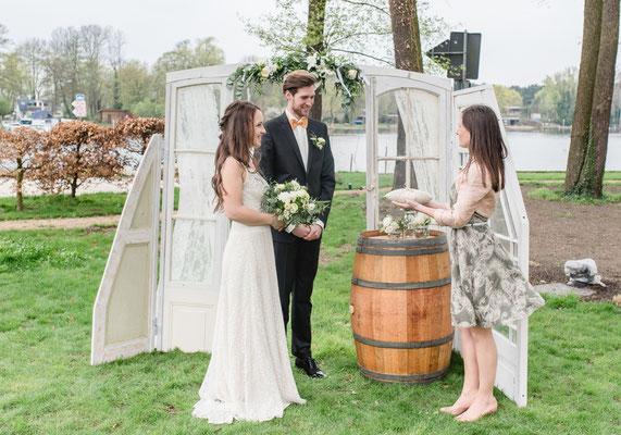 Brautkleid und Anzug und Schuhe: Crusz