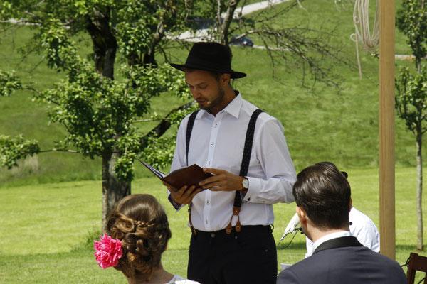 Johann-Jakob Wulf, Strauß & Fliege, Freie Trauung, Hochzeitsredner, Freier Trauredner, Bayern, München, Blog, Anna Pentzlin, Moarhofen