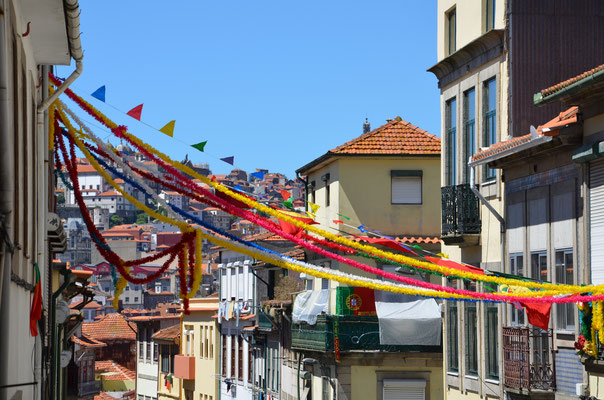"Street decoration ""rua Candido dos Reis"" ©Porto Moments"