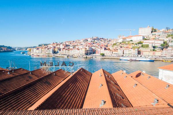View of Calem cellars from Vila Nova de Gaia ©Porto Moments