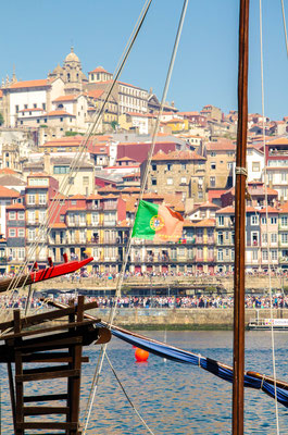 Porto historical center from Gaia ©Porto Moments