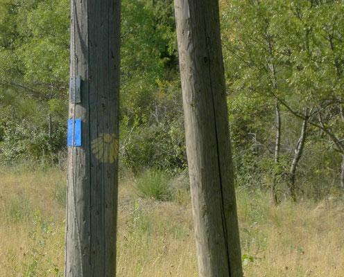 bei Lodeve - mit diesem Mast 2005 fing mein Jakobsweg an - eine Idee, die 2009 zum Start führte