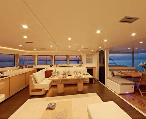 Katamaran für Luxustörn mit Vollverpflegung und Getränke ab Palma de Mallorca