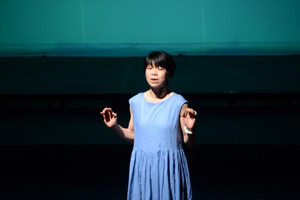 沖縄の歌もアカペラで響きます