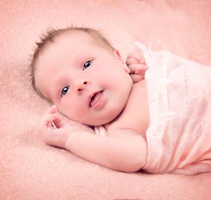 Newborn geboorte bevalling newbornfotografie zwanger uden volkel zeeland oss mill oventje nistelrode erp grave langenboom veghel mariaheide venhorst schaijk wilbertoort