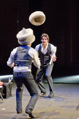 MusicHall'ino 2012 -19 - Philip's jongleurs
