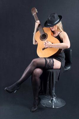 Guitare ou violoncelle 02