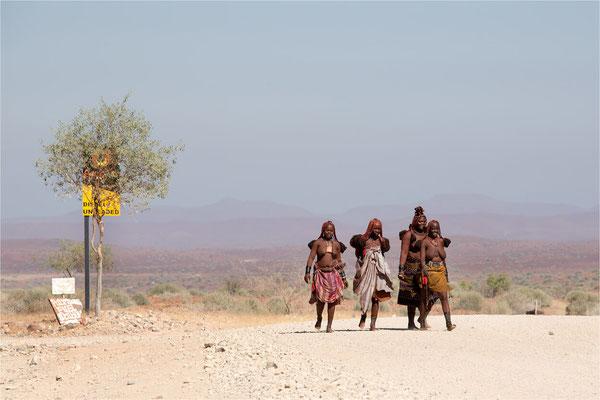 Scènes de vie 69 - Namibie