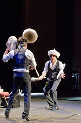 MusicHall'ino 2012 -18 - Philip's jongleurs