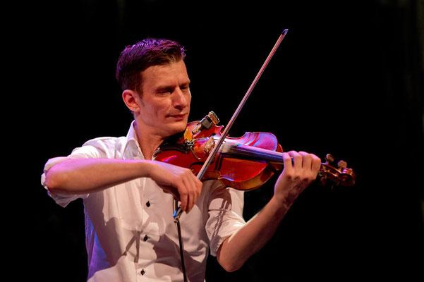 MusicHall'ino 2014 - 01 - Charlie Tango