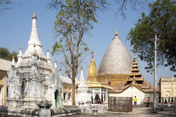 Bagan - Pagode Shwe Zi Gone 01