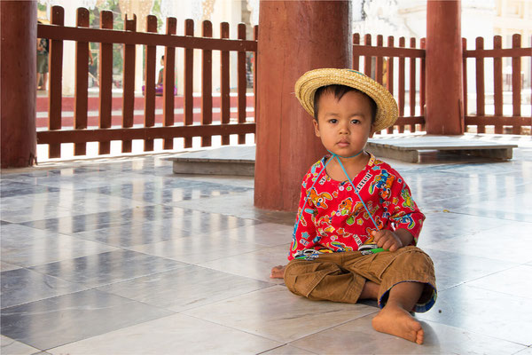 Bagan - Pagode Shwe Zi Gone 04