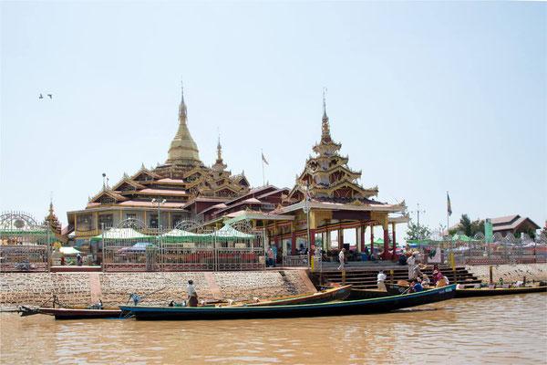 Lac Inlé - Pagode Phaung Daw Oo 01