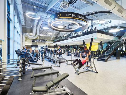 Projekt: M-Fitness, 2700 Wiener Neustadt, Architektur: Smertnik Kraut Architekten, Fliesen: Aparici Moving, Apavisa Hydraulic