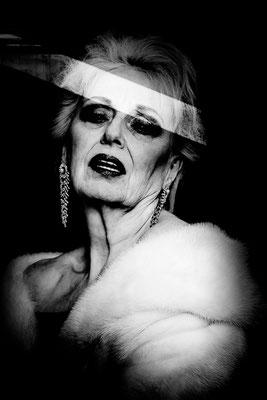 Tribute to Vivienne Westwood, Leinwand, 150 x 100, 3200 Euro, Edition 2/3