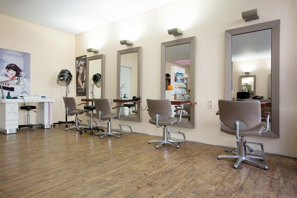 Impressionen aus unserem Salon - lin-cut-and-styles Webseite!