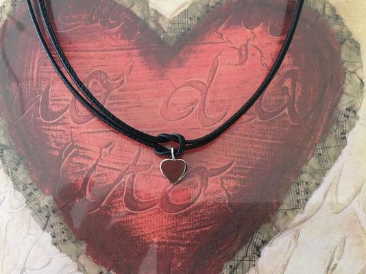 Kleines Herz in Silber 925  mit doppeltem Lederband