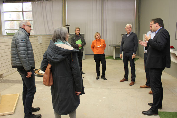 Die Jury in den Werkstätten der Meisterschule in Ulm; Foto: FBB