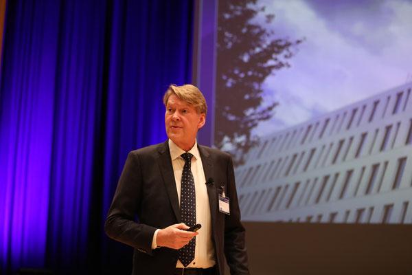 Claus Bering, Vorsitzender des dänischen und europäischen Betonfertigteilverband zeigte Best-Practice-Beispiele aus seiner Heimat.