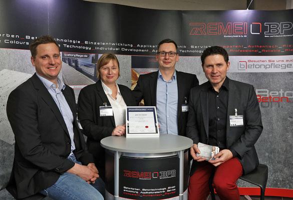 Den Innovationspreis der Zulieferindustrie Betonbauteile 2020 gewann die BPB Beton- und Prüftechnik Blomberg GmbH & Co. KG.