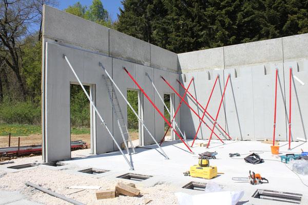 Der Aufbau des Pavillons erfolgte Mitte April 2020 innerhalb ein paar Tagen.