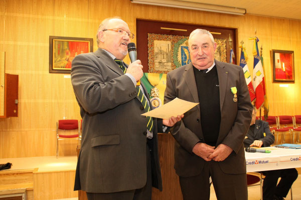 Diplome d' Honneur remis à René Morgeon