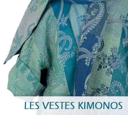 """Vestes de style """"kimono"""", en laine imprimée, doublée, réversible. Vestes de couturiers."""