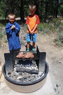 Les aventuriers sont affamés! Camper c'est profiter aussi de plaisirs simples et intenses ;-)