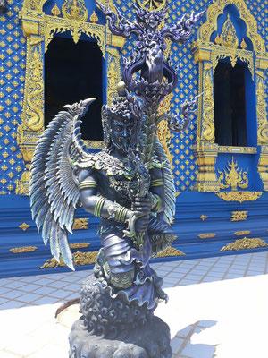 une des nombreuses sculptures autour du temple