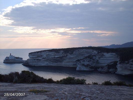 les falaises blanches près de Bonifacio