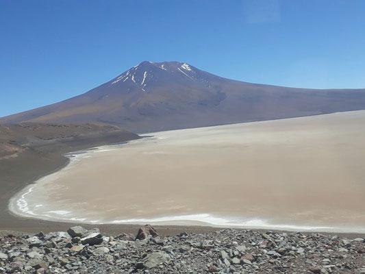 Arrivée au Chili, les volcans donnent le ton !