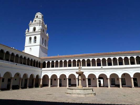 L'université dans les anciens bâtiments Jésuite