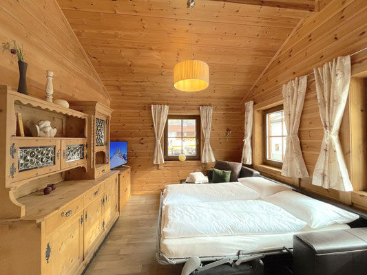 Wohnzimmer Sofa mit Bettfunktion (bei 6 Personen)