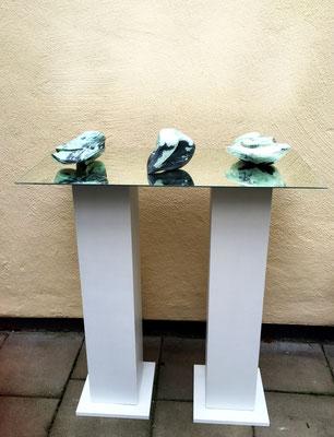 Steine im Fluss (./.),  Drei Specksteine bearbeitet und poliert, auf Spiegel 90 cm x 35 cm