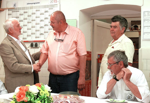 H.Eichler Obmann + Schulleiter- Krippenbauhelfer Herbert Jäger - Walter Govekar  Schulleiter i. R.
