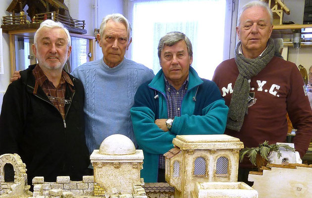 Krippenfreunde Triest: Heinz Eichler, Obmann Feldkirchen. Giuseppe Castagnaro, Obmann der Krippenfreunde Triest. Fabio David,  Krippenfreund in Feldkirchen und in Triest. Bruno Vescovo, Krippenfreunde Triest.